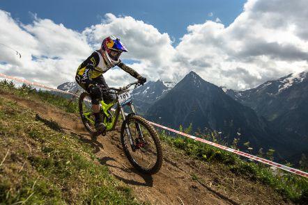 Miriam Nicole - EDC Les Deux Alpes 2014_3.jpg