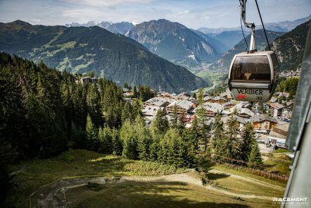 Gondola - SDC Verbier 2017.JPG